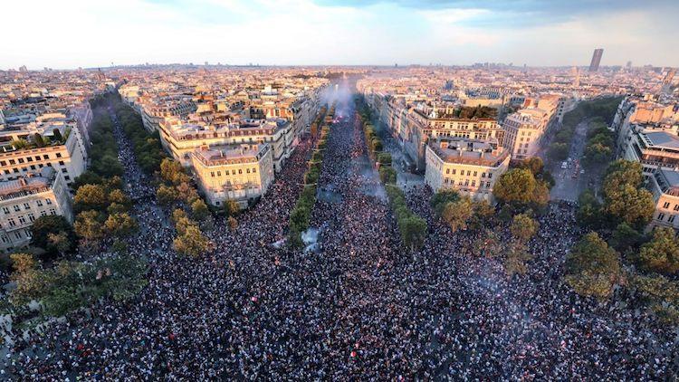 У мережі поширюють фейк про 2 млн протестувальників проти «брехливої пандемії» у Лондоні