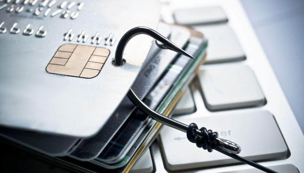 Російські хакери виклали в даркнеті дані 1 млн кредитних карт