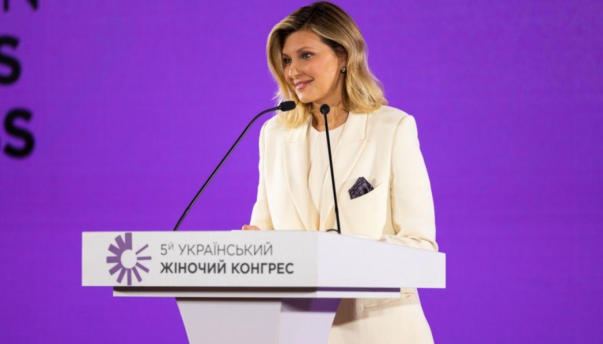 За кількістю піару в новинах Олена Зеленська наздоганяє свого чоловіка — моніторинг