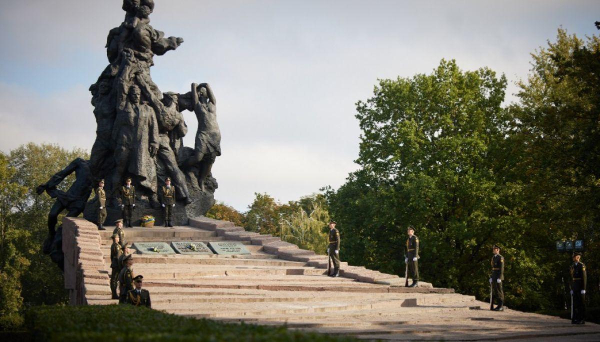 Російські медіа видали порцію фейків до річниці трагедії Бабиного Яру — моніторинг