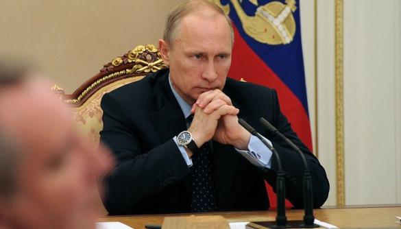 Путін підписав закон, що уможливлює кримінальне переслідування за перепост у соцмережі