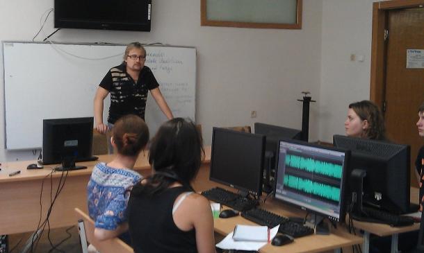 Студентське телерадіомовлення в Україні: вміти чути й бачити інших