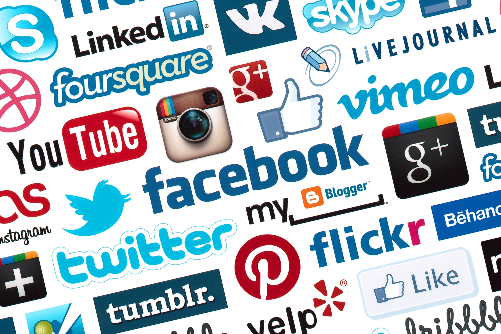 США: Молоді демократи більш активні у соціальних медіа, ніж республіканці